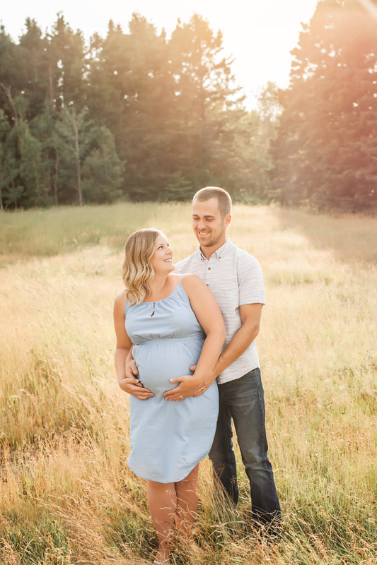 Moncton Maternity Photographer , Moncton newborn photographer , moncton maternity photography ,  moncton newborn photography , maternity session , maternity portraits , natural light maternity , expecting ,