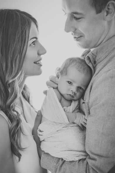 moncton newborn photographer, moncton newborn photography, newborn portraits, moncton photographer, backlight, backlit, natural light, newborn lifestyle posing, family posing, baby pictures, moncton NB, PEI newborn photorapher, PEI newborn photography